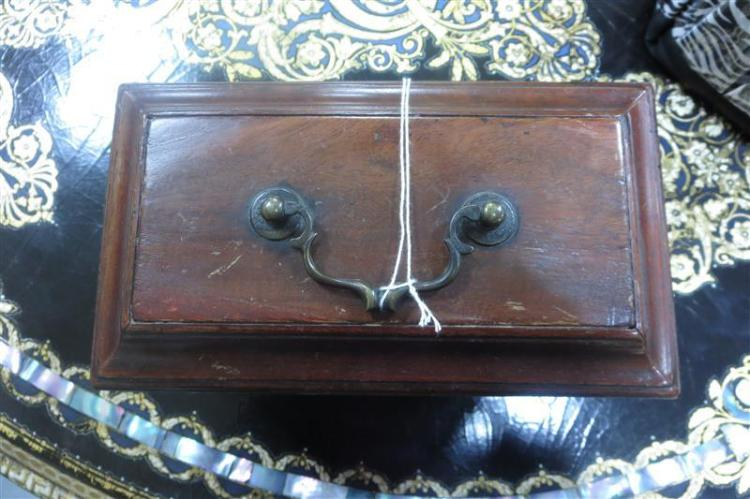 George III mahogany casket-form tea caddy