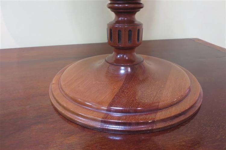 Pair English mahogany knife urns (2pcs)