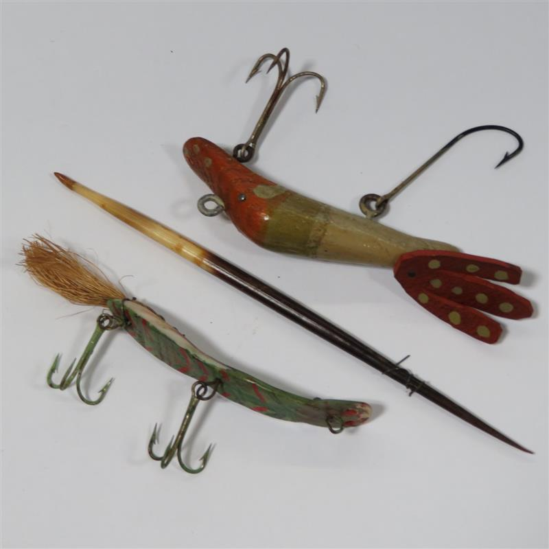 Antique fishing lures and flies (23pcs)
