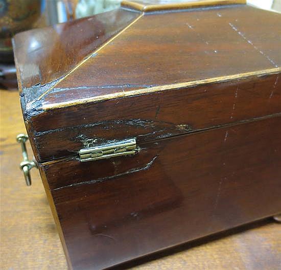 English inlaid mahogany veneer tea caddies (2pcs)