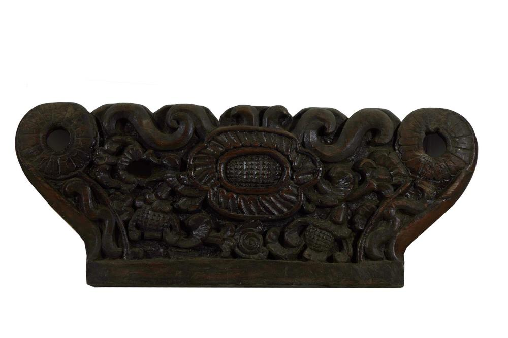 Italian carved wood gondola-back decoration
