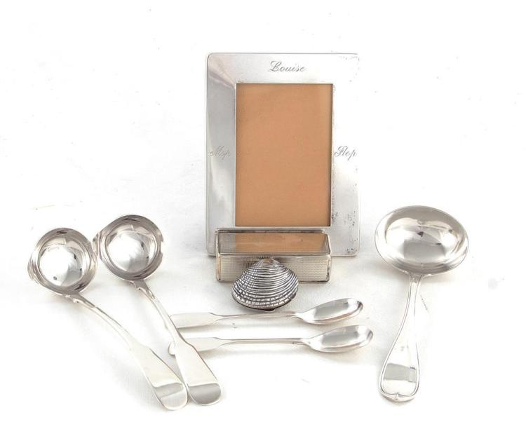 Silver and sterling objects of virtu and flatware (8pcs)
