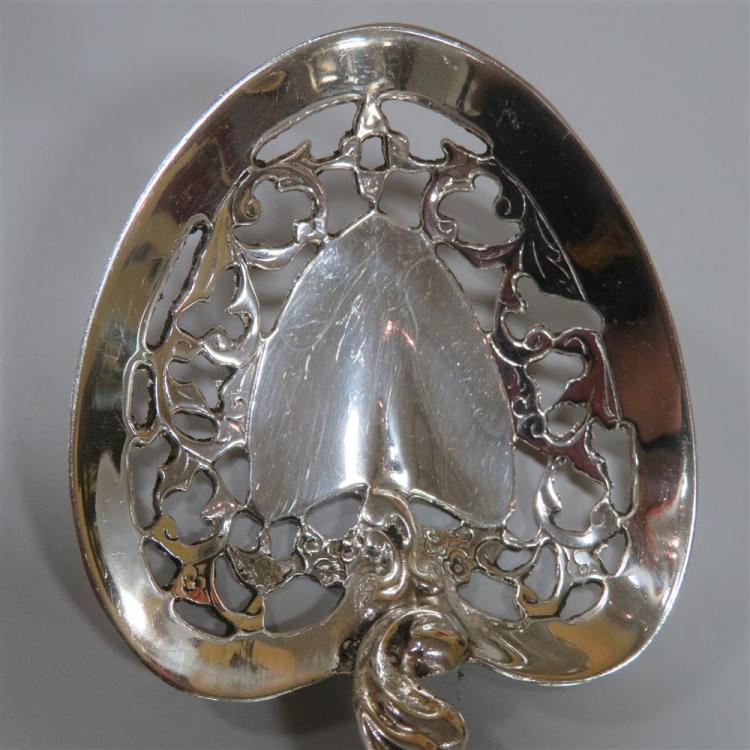 Tiffany & Co sterling ladle, and bon bon scoop (2pcs)