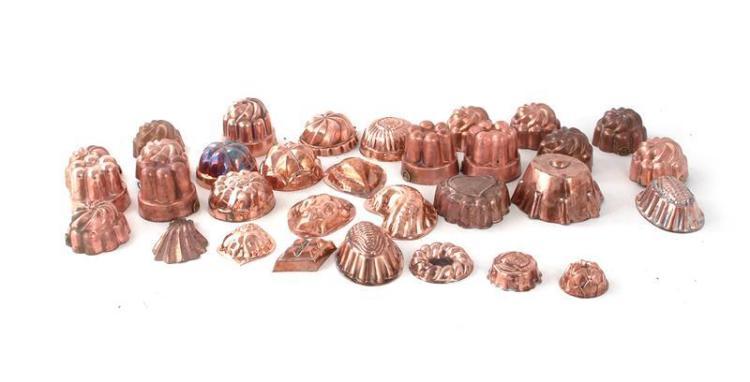 Continental miniature copper culinary moulds (32pcs)