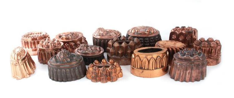 English and Continental oval copper moulds (15pcs)