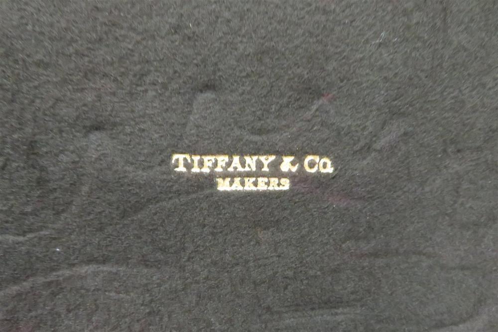 Tiffany & Co Shell & Thread pattern silver flatware set (approx. 186pcs)