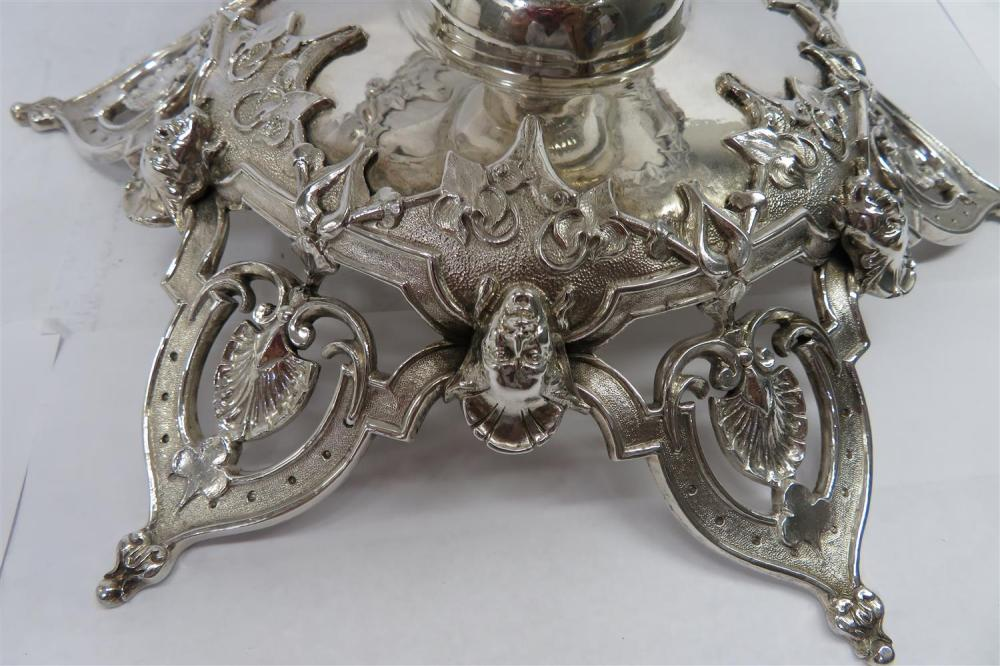 Victorian silver and crystal table garniture, Edward Edwards (3pcs)