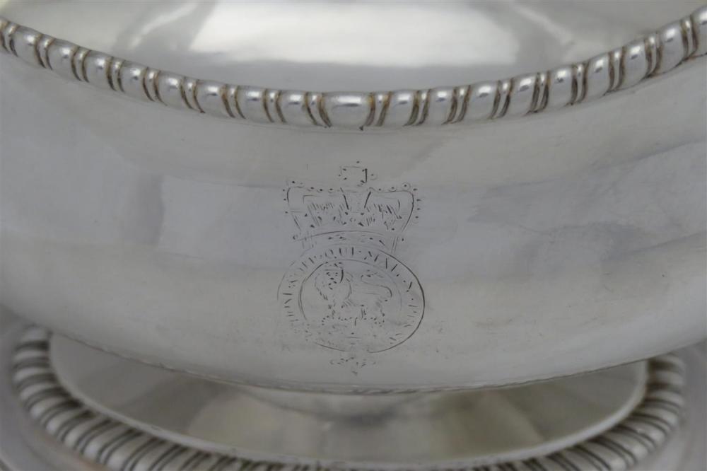 George III silver sauce boat set, John Schofield (3pcs)