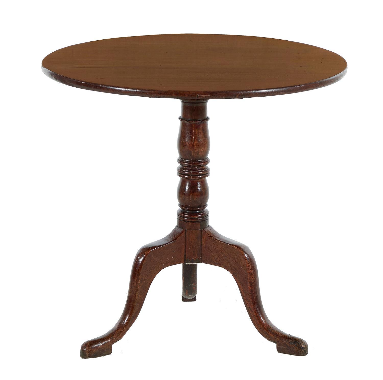 Georgian mahogany tilt-top tea table