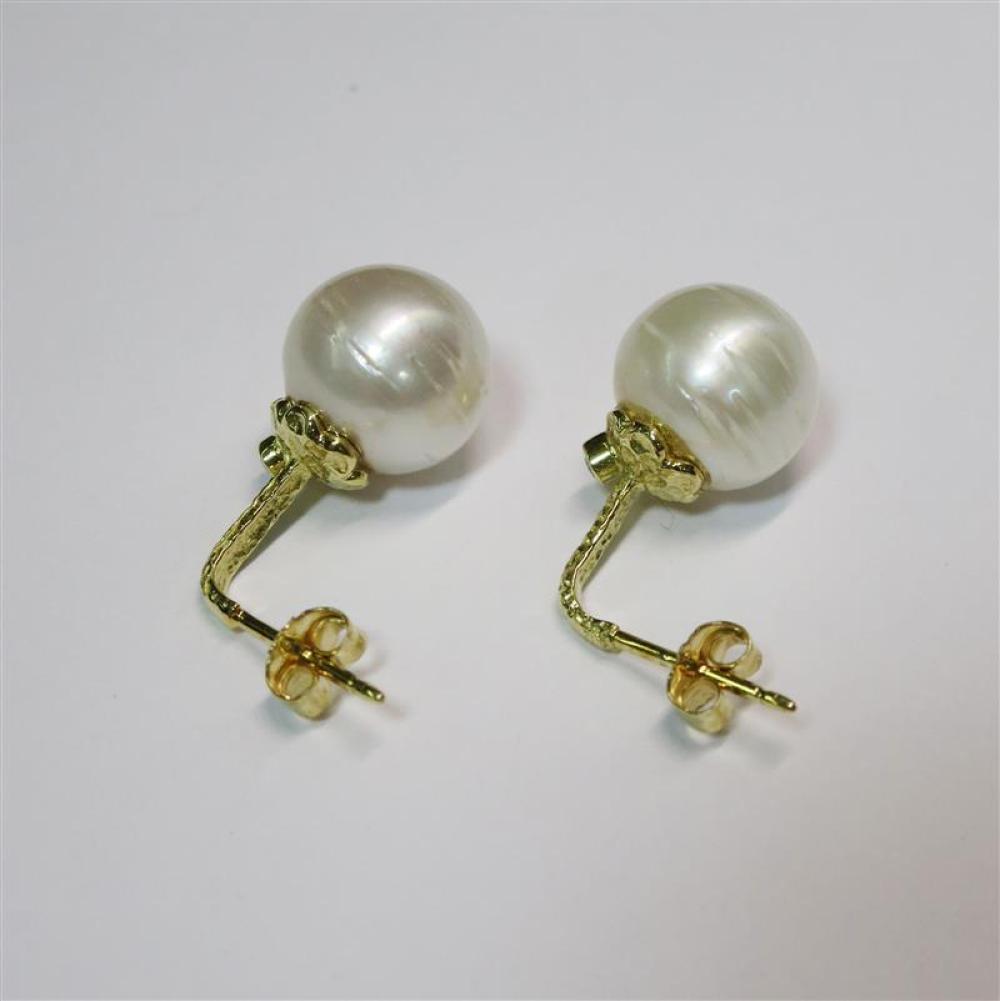 Pearl and gemstone earrings (6pcs)