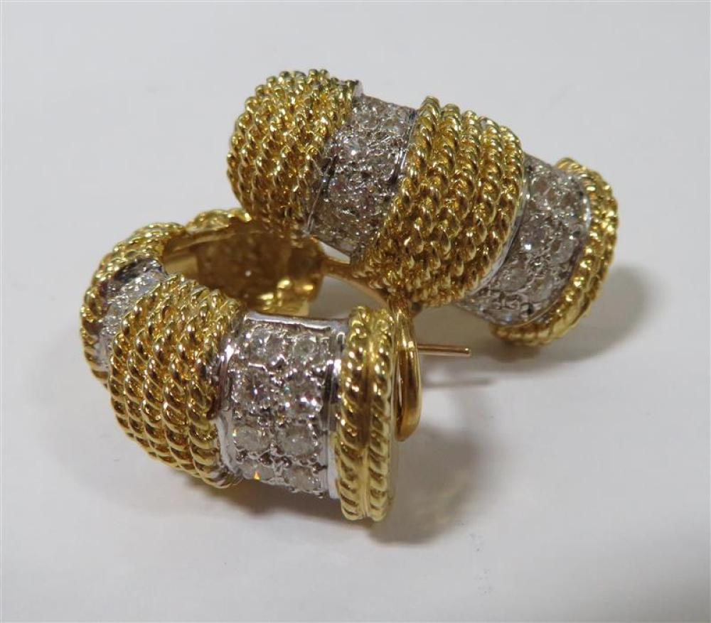 Diamond and gold pierced earrings (2pcs)