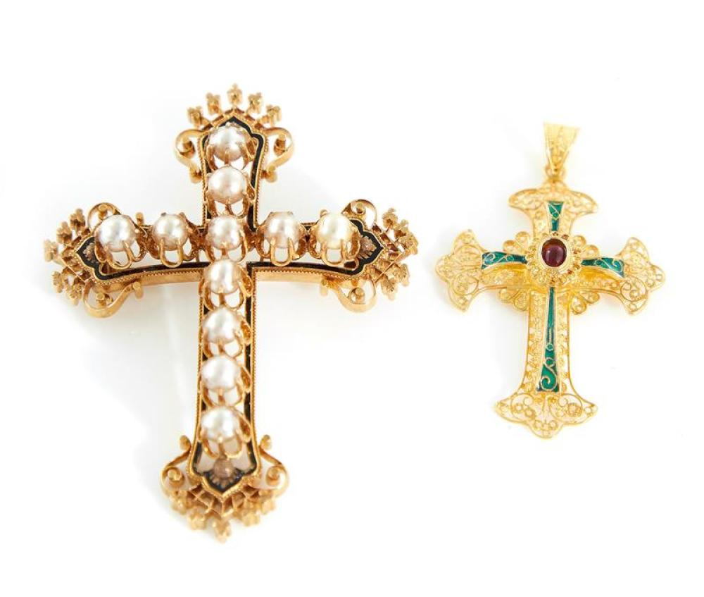 Pearl and gold cross brooch, and enameled gold pendant (2pcs)