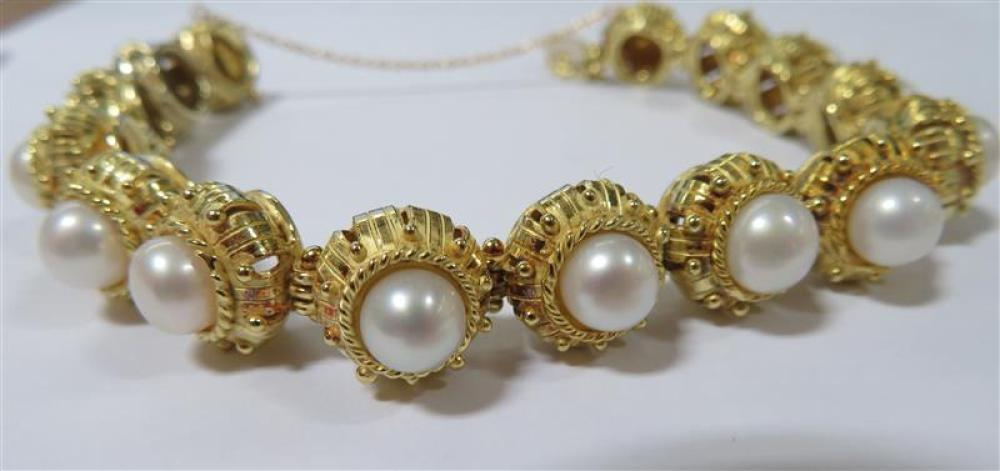 Unusual pearl and gold bracelet