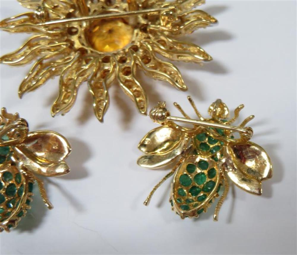 Emerald bee brooches, and citrine sunburst pendant/brooch (3pcs)