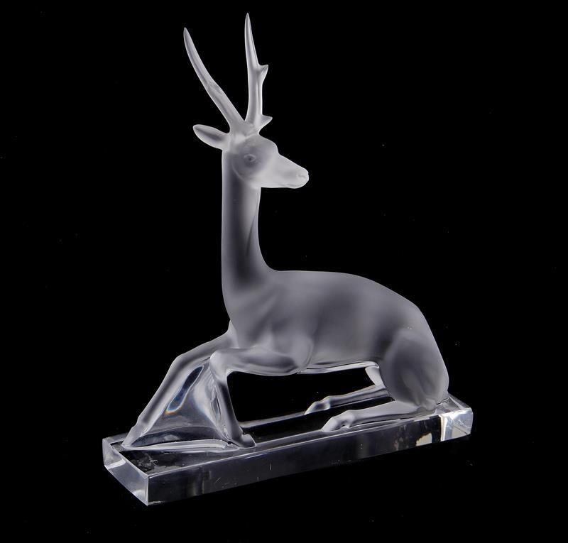 Lalique Cerf, crystal deer figure