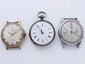 Lot en argent et métal composé d'une montre de poche et de 2 montres bracelet d'homme. Mouvements mécaniques. (en l'état). Poids brut de l'argent: 40.7 g.