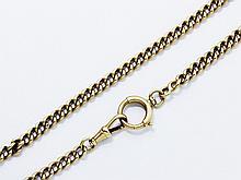 Chaîne de montre en or 18 K, maille gourmette, agrémentée de fermoirs mousqueton et anneau ressort. Travail français vers 1900.. Poids: 26.70 g. Long: 29.5 cm.