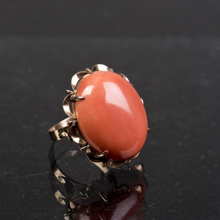 A CORAL COLOR RING