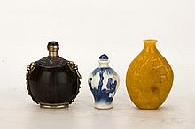 Group of three Chinese snuff bottles