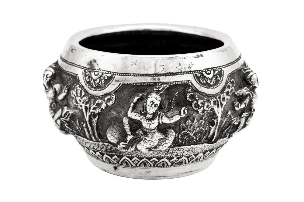 An early 20th century Anglo – Indian unmarked silver bowl, Poona circa 1910