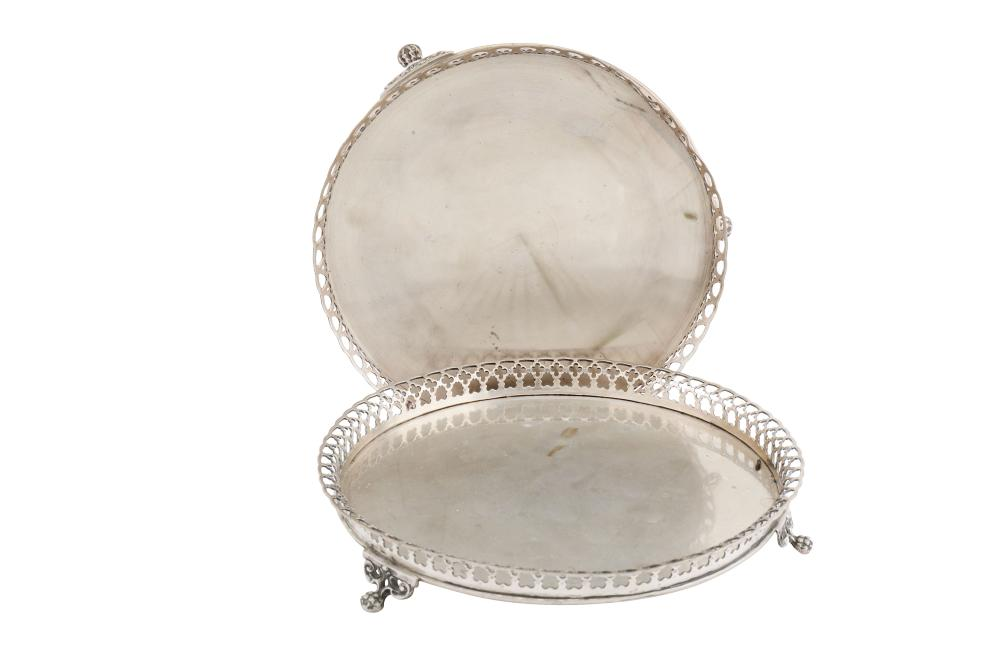 Two late 20th century Portuguese 833 standard silver salvers