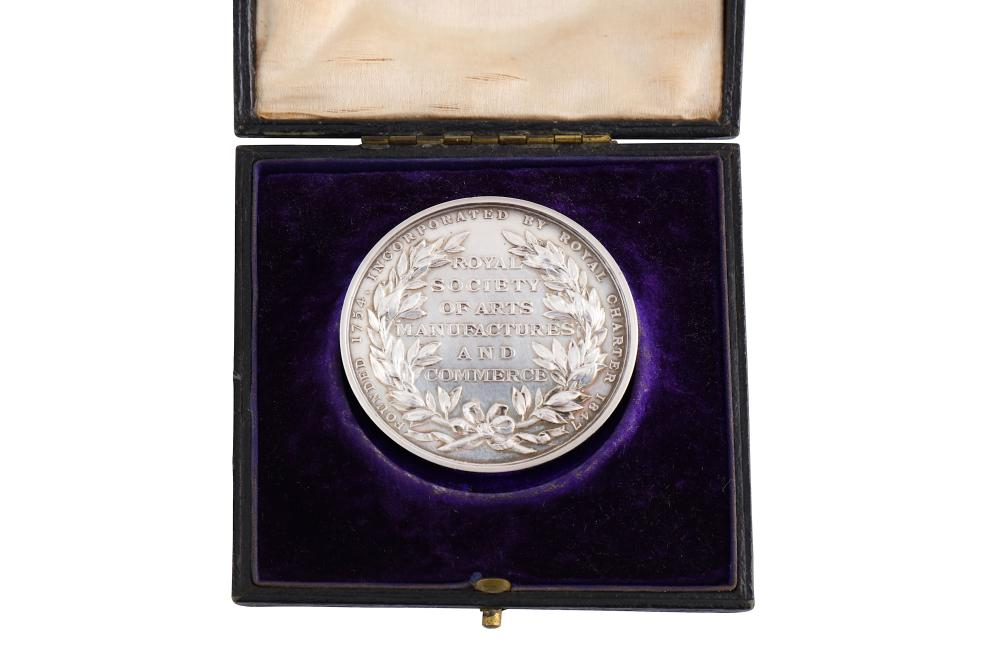 """A 1918 Royal Society of Arts Manufacturers and Commerce Award Medal - silver, engraved in capitals """""""