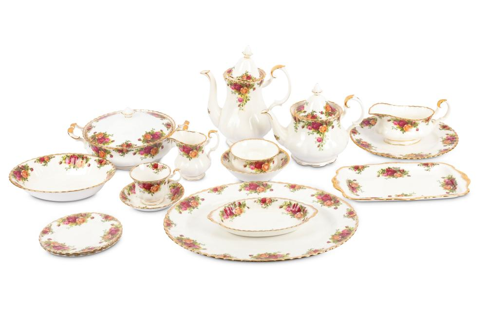 An extensive Royal Albert country roses pattern dinner service