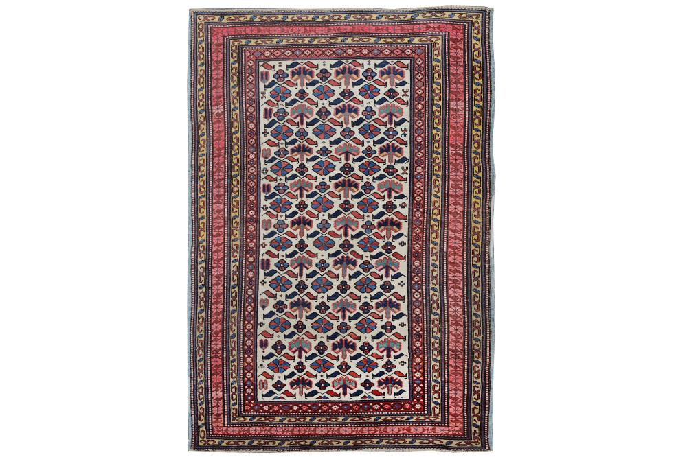 AN ANTIQUE KUBA RUG, EAST CAUCASUS