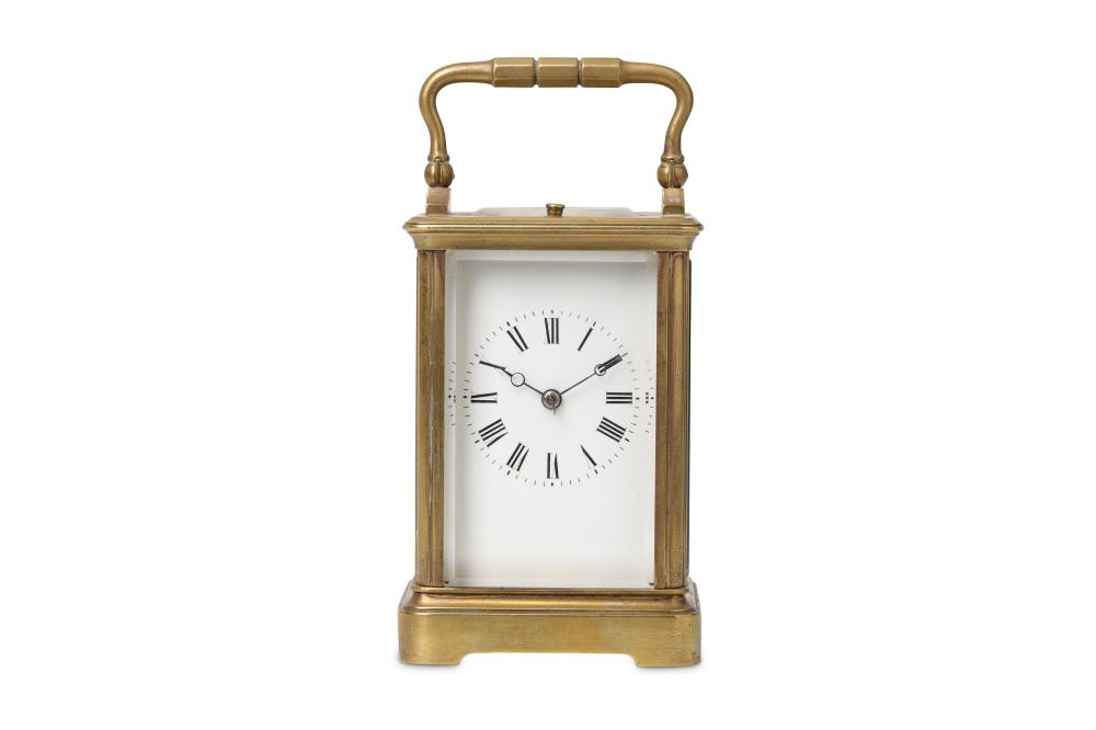 A SMALL LATE 19TH CENTURY FRENCH LACQUERED BRASS CARRIAGE CLOCK WITH REPEAT