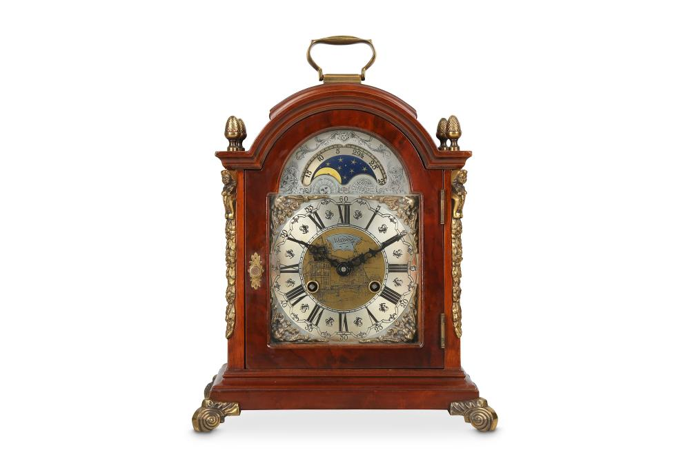 A GEORGE III STYLE MAHOGANY AND BRASS MOUNTED TABLE / BRACKET CLOCK WITH MOONPHASE