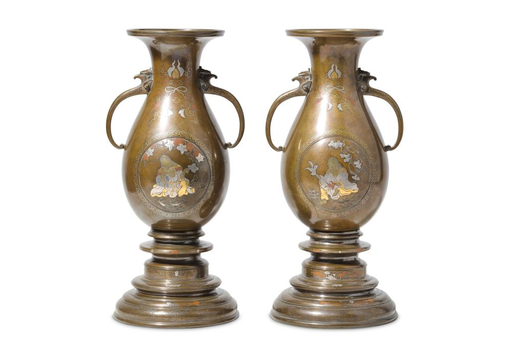 A FINE PAIR OF LATE 19TH CENTURY JAPANESE MEIJI PERIOD BRONZE AND INLAID VASES