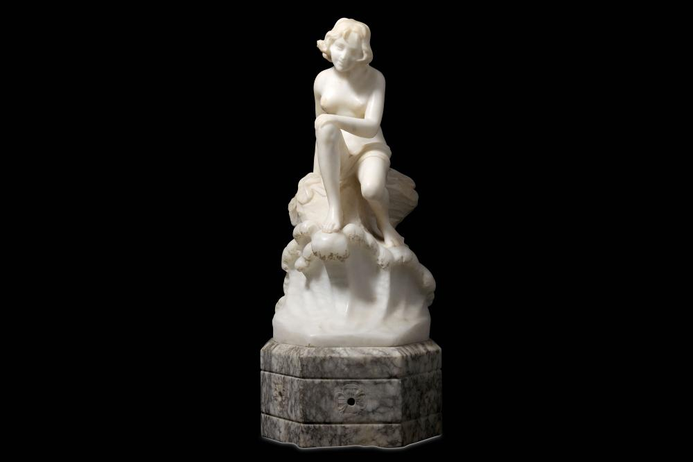 AN EARLY 20TH CENTURY ITALIAN ALABASTER LAMP BASE MODELLED AS A NUDE GIRL