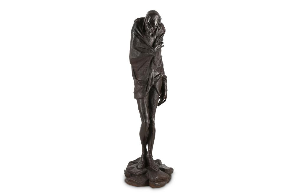 A LATE 19TH / EARLY 20TH CENTURY CAST IRON FIGURE OF MEPHISTOPHELES AFTER THE MODEL BY JACQUES LOUIS