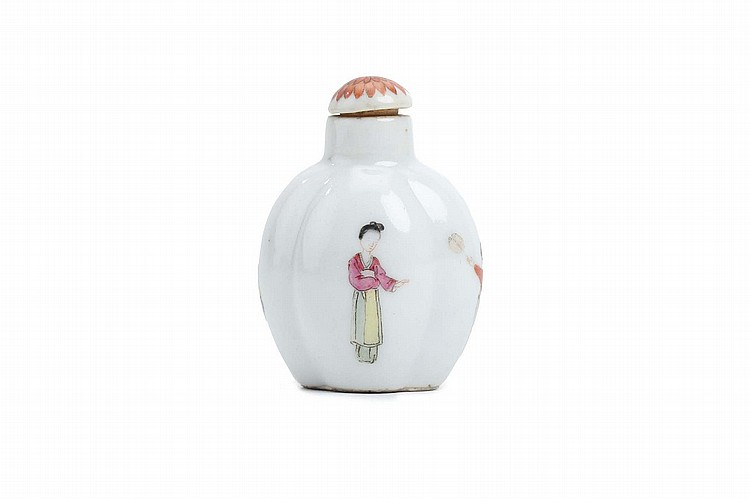 A CHINESE FAMILLE ROSE 'FIGURES' SNUFF BOTTLE.   Qing Dynasty, Qianlong mark, and probably of the period.    Of quatrilobed form, each of the four faces delicately painted with a single figure, Qianlong nianzhi mark to base, original stopper, 5.5cm H.   Provenance: Collection of Bernard Buckman (1910 – 1991).   ? ????????