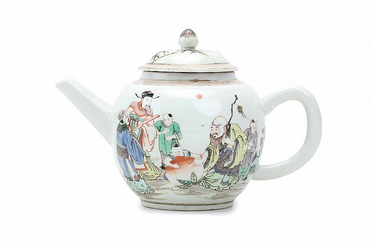 A CHINESE FAMILLE VERTE FIGURATIVE TEAPOT AND COVER.    Qing Dynasty, 19th Century.   Decorated around the body with a figurative scene, 13.5cm H.   ? 19?? ??????????