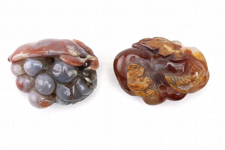 TWO AGATE 'FRUIT' CARVINGS.   5cm long. (2)   ?????????