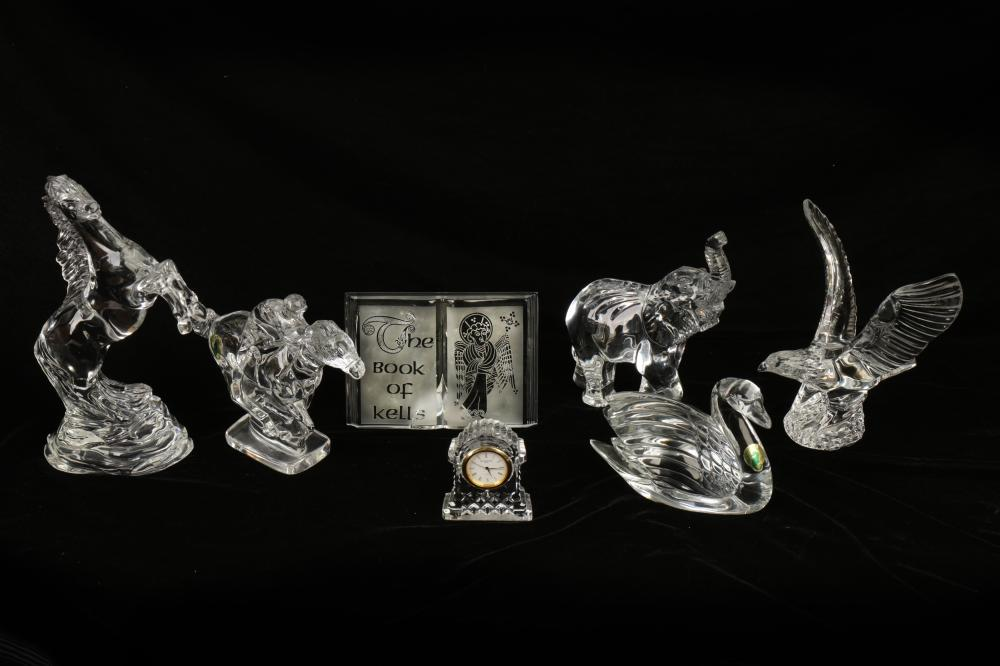 A WATERFORD CRYSTAL GLASS MODEL OF AN ELEPHANT, LATE 20TH CENTURY