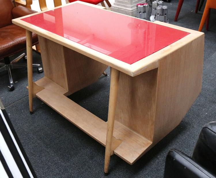 Amazing A 1950S Italian Desk In Maple Wood With Red Glass Inset Uwap Interior Chair Design Uwaporg