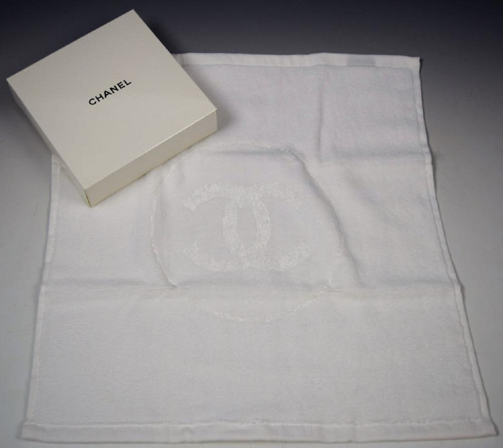 Chanel  VIP Towel