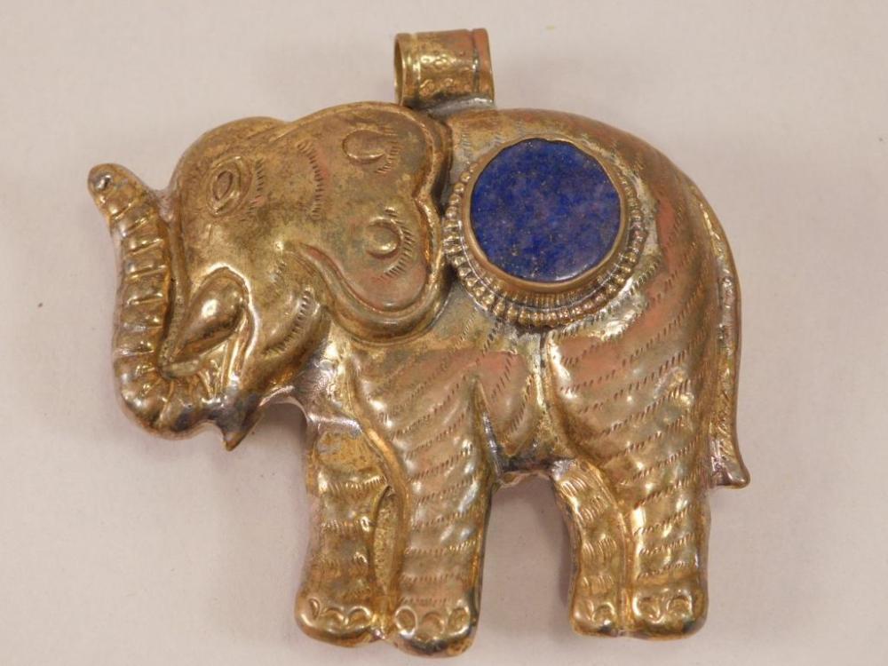 ELEPHANT PENDANT WITH LAPIS ACCENT