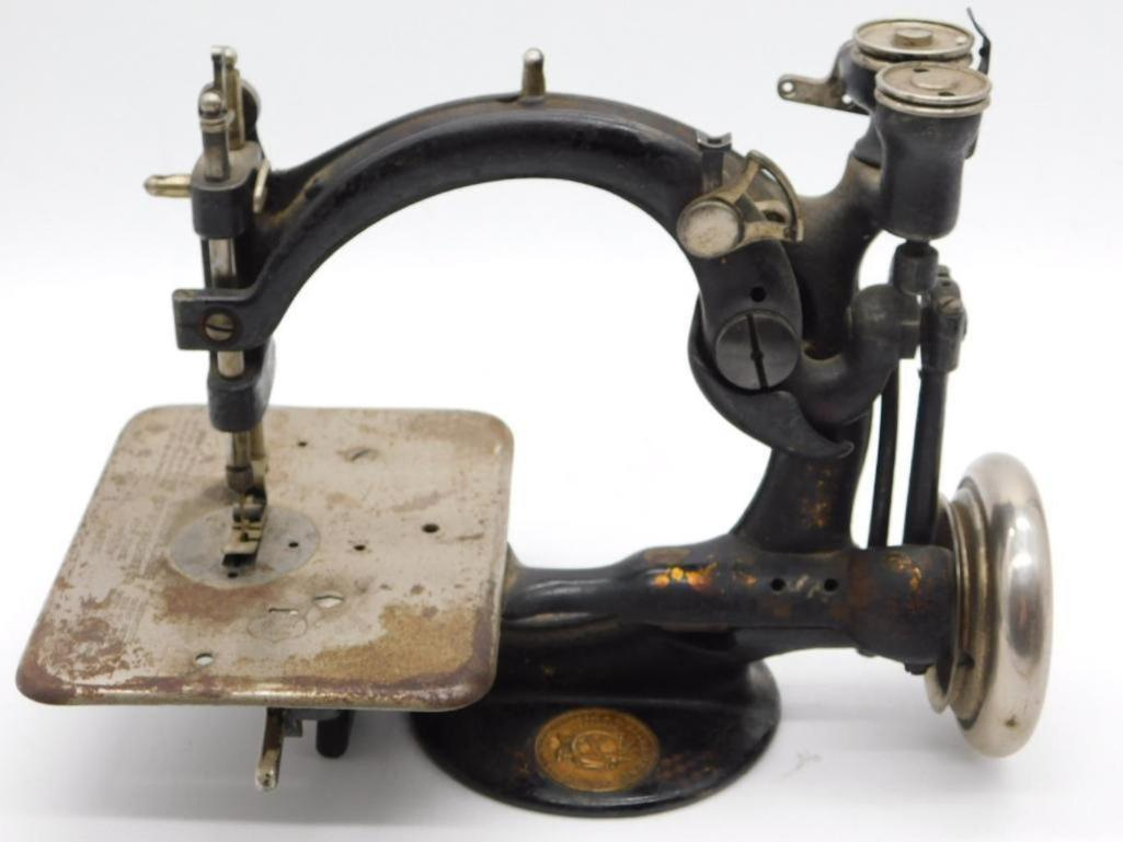PREVIEW of Upcoming Lot: SEWING MACHINES & ACCESSORIES