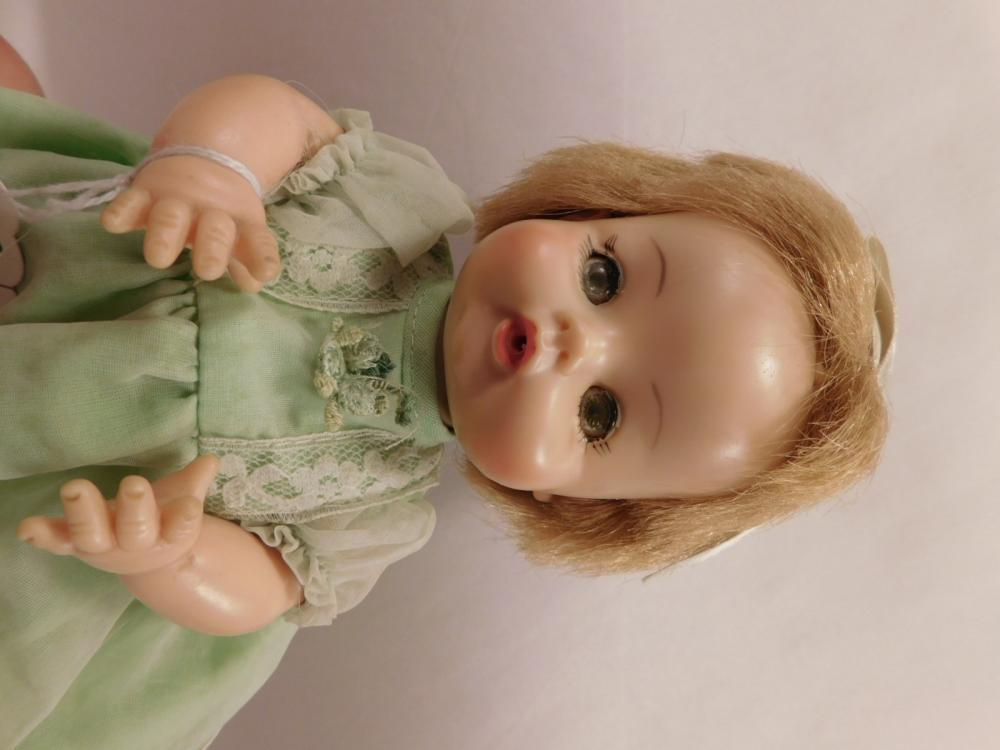 1965 DOLL VINTAGE ANTIQUE