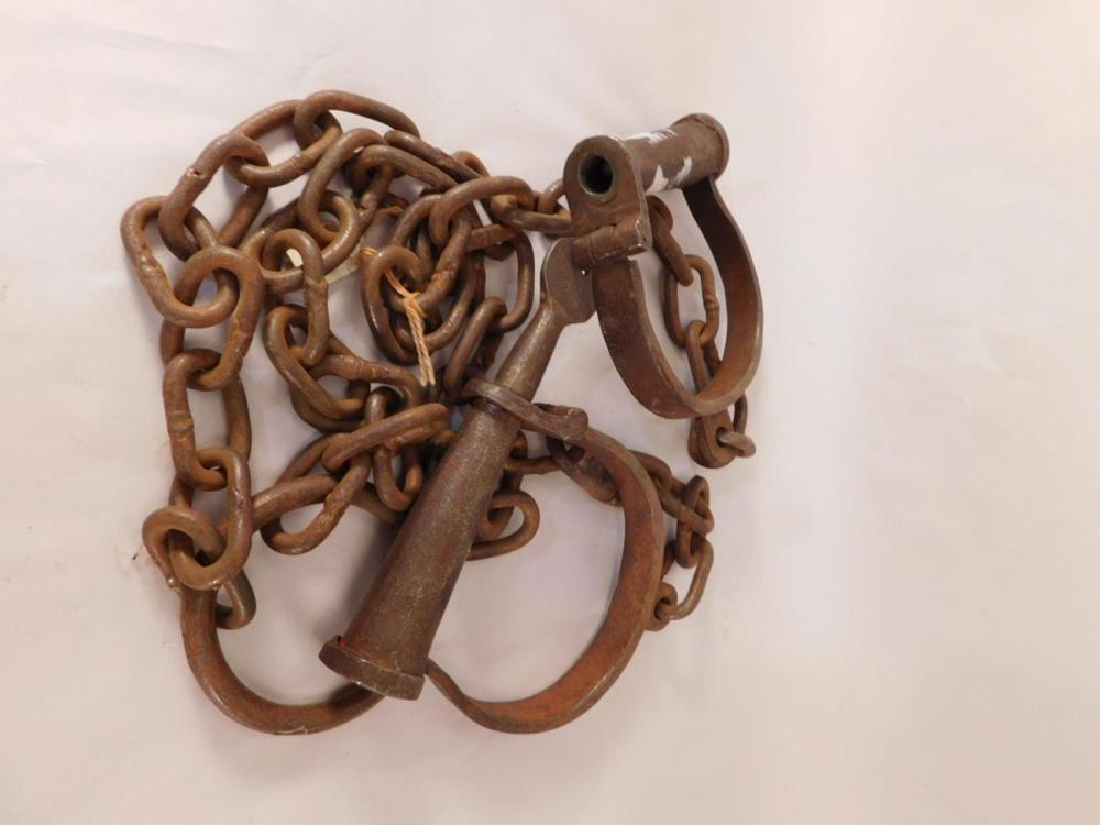 1800'S SLAVE PRISON SHACKLES WITH KEY VINTAGE ANTIQUE METAL