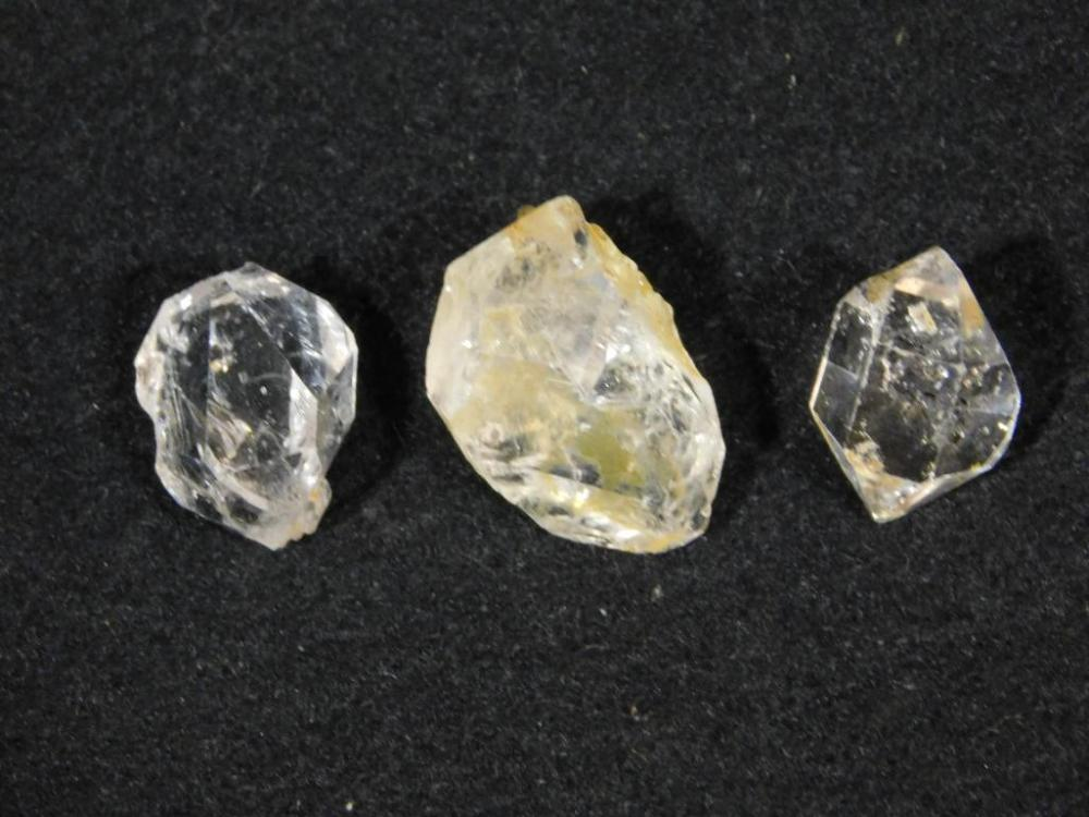 HERKIMER DIAMOND 30 CARATS ROCK STONE LAPIDARY SPECIMEN