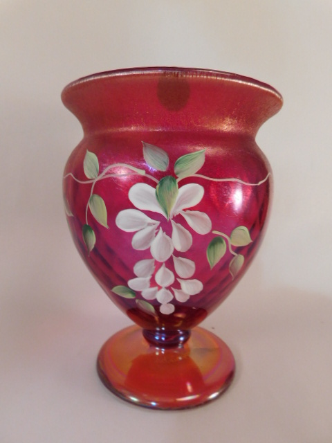 FENTON ART GLASS USA HANDPAINTED VASE RUBY AMBERINA (Yes, We Ship)