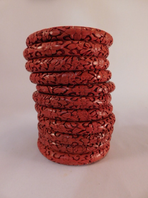 VINTAGE BRACELETS JEWELRY ANTIQUE RED LAQUER CARVED LOTS (Yes, We Ship)
