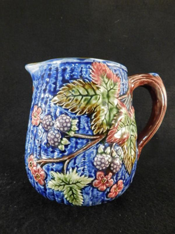 MAJOLICA PITCHER VINTAGE ANTIQUE BLACKBERRIES STAFFORDSHIRE ENGLAND (Yes, We Ship)