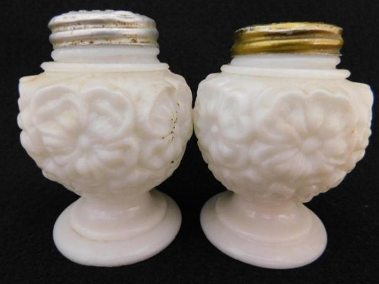 OPAQUE SALT PEPPER GLASS VICTORIAN EAPG (Yes, We Ship)