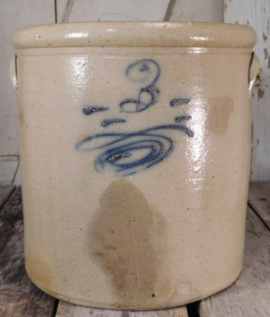 3 GALLON SALT GLAZE CROCK VINTAGE ANTIQUE, SOME HAIRLINE CRACKS AND DISCOLORATION (Yes, We Ship)