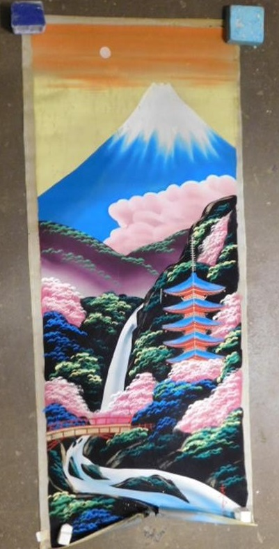 RARE VIBRANT SILK SCROLL PAINTING JAPANESE ASIAN ART (Yes, We Ship)